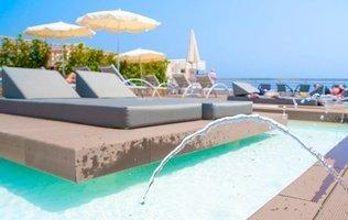 Sundeck Hotel Coral Suites & Spa